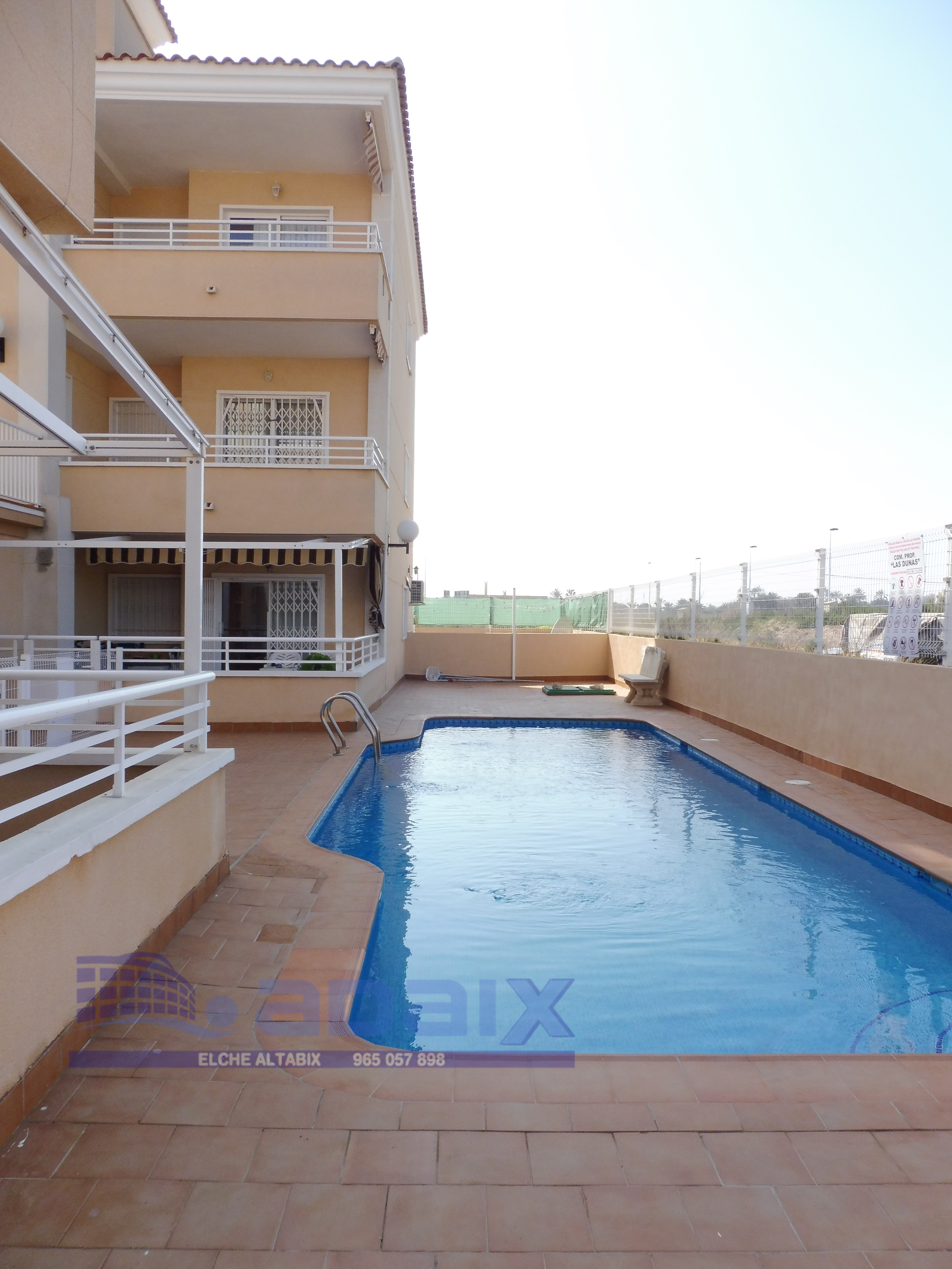 Bungalow in Rent in Elche